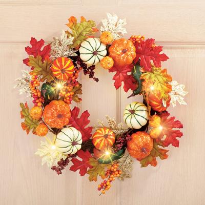 lighted-harvest-gourd-leaves-wreath
